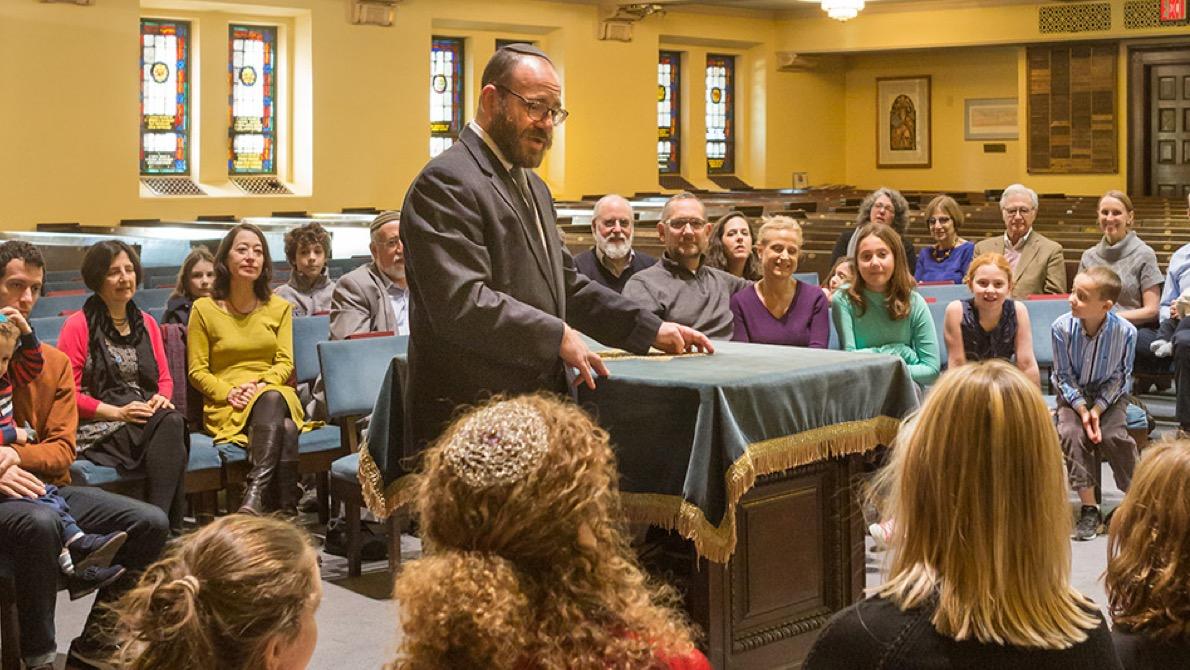 Rabbi Kalmanofsky and congregation